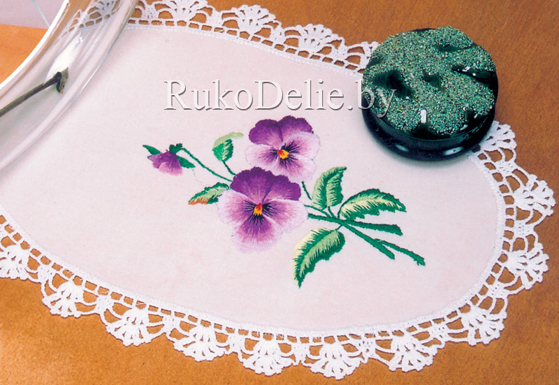 Салфетки/Napkins with a satin stitch embroidery : Вышивка гладью