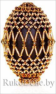 ...прозрачные пластиковые бусины ромбовидной формы; капроновая нить; 2 иглы для бисера; деревянная... бисероплетение.
