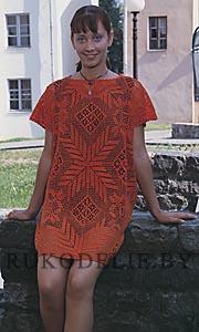 Пуловер с декоративными узорами, связанными крючком