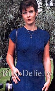 Вязаное спицами летнее платье