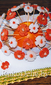 Салат на шпажках ''Цветочная поляна''