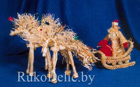 Декоративная композиция к Новому Году, выполненная из соломы
