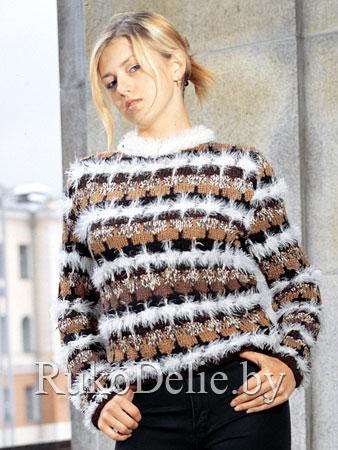Многоцветный пуловер, вязаный спицами