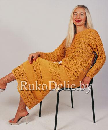 Вязаный крючком костюм: ажурный пуловер и юбка