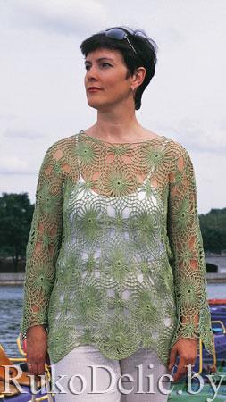 Вязаный крючком ажурный пуловер с цветочным мотивом